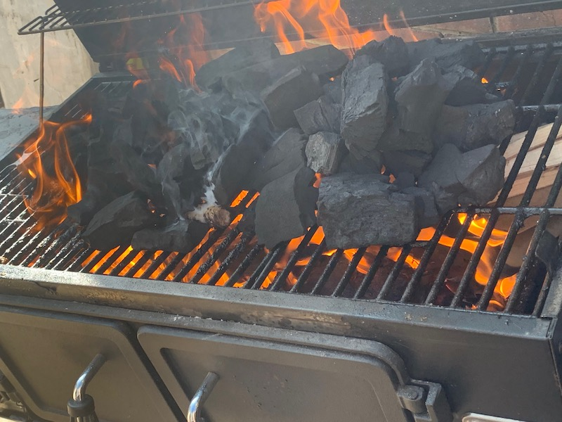 How to start a charcoal bbq or food smoker the easiest way- eco firelighters or bbq starter chimney?